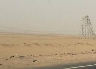 محافظة قنا: جاري إصلاح أعمدة الضغط العالي لتوصيل الكهرباء للمواطنين