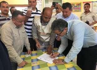وزير الآثار يدلي بصوته في الاستفتاء على تعديل الدستور بالأقصر