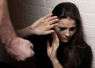 «العنف ضد المرأة».. «فاطمة»: والدى ضربنى وحبسنى عشان كده سبت له البيت