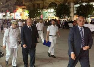 بالصور  محافظ القاهرة يقود حملة لإزالة الباعة الجائلين في وسط البلد