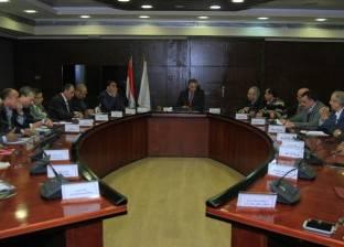 وزير النقل يجتمع بالشركات المنفذة للمرحلة الثالثة للمشروع القومي للطرق