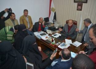 محافظ مطروح ينهي أزمة 3 آلاف أسرة متوقف صرف المقررات التموينية لهم