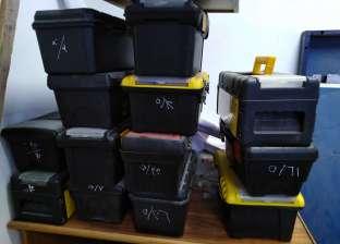 """""""خلصانة بفلاسكاية"""".. مبادرة طلابية لتوزيع أدوات كلية الصيدلة بالمجان"""