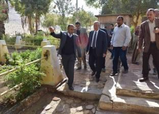 محافظ المنيا: تطوير المناطق الأثرية لتنشيط السياحة