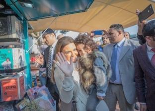 صور| لعبة بازل لحفيدة سحر نصر.. و«بيتزا وقهوة» لـ3 وزراء بـ«شارع 306»