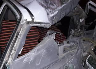 اصطدام سيارة ملاكي بعمود إنارة بشارع رمسيس