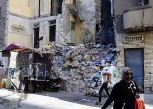 سكان شارع «عمر مكرم» بالإسكندرية.. ينتظرون الموت تحت الأنقاض