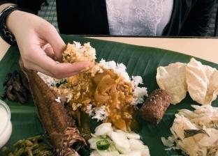 تناول الطعام بالأيدي يجعل مذاقه أفضل