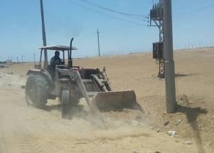 رفع مخلفات الأتربة أسفل كوبري السكة الحديد بمحرم بك في الإسكندرية
