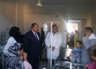 إصابة 8 أفراد بينهم 6 أطفال من أسرة واحدة بتسمم غذائي في أسيوط