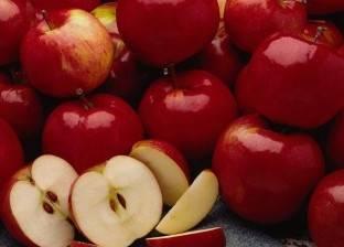 """وزير لبناني يستعرض مع دبلوماسي مصري تصدير """"التفاح"""" إلى الأسواق المصرية"""