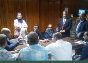 وفد من البنك الأهلي يبحث تقديم خدمات للقطاع الصحي في أسيوط