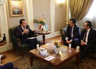 بالصور| وزير التعليم العالي يبحث مع سفير كازاخستان دعم التعاون العلمي