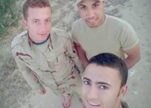 """المئات يشيعون جثمان """"الشهيد بيتر"""" في المنيا"""