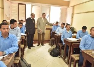 «التعليم»: طلاب أولى ثانوي بالخارج يمتحنون ورقيا العام الجاري