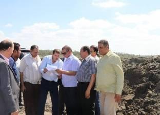 بالصور| محافظ كفر الشيخ يتفقد مصنع فصل الرمال السوداء على 80 فدانا