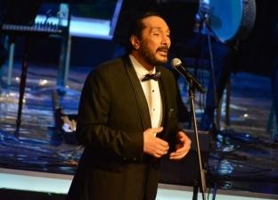 علي الحجار ينعى هيثم أحمد زكي بحفله بمهرجان الموسيقى العربية
