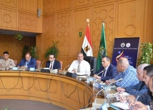 محافظ الإسماعيلية: نبحث عقد اجتماعات الجهاز التنفيذي بالقرى والمراكز