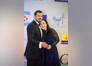 رومانسية بين عمرو يوسف وكندة على الريد كاربت بمهرجان الجونة