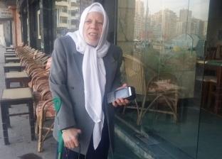 """""""عم محمد"""" حديث السوشيال ميديا يعمل بماكينة فوري على كورنيش الإسكندرية"""