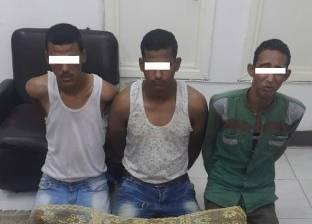 ضبط عصابة سرقة الدراجات البخارية في أسيوط بحوزتهم سلاح ناري