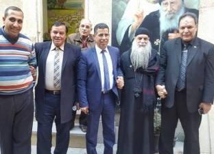 وفد من إدارة أبو حمص التعليمية يهنئ الأقباط بعيد الميلاد المجيد