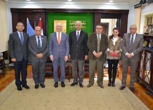 رئيس جامعة الإسكندرية يستقبل قنصل عام لبنان