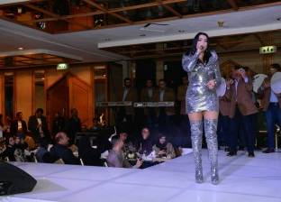 بالصور| المطربة يسرا تخطف الأنظار في حفل رأس السنة بأحد فنادق القاهرة