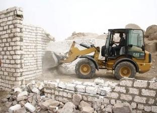 تنفيذ 10 قرارات إزالة على مساحة 3435 مترا في أسوان