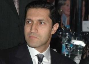"""أحد رواد """"تويتر"""" يطالب مبارك بتقديم اعتذار للمصريين عن فترة حكمه.. نجله يرد بحديث شريف"""