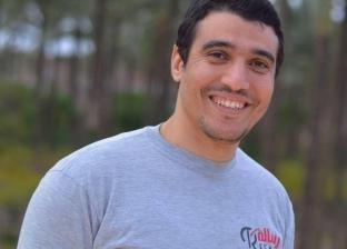 """معيد بـ""""طب أسنان"""" يتطوع بتوصيل الطلبة للجامعة مجانا: خير الناس أنفعهم"""
