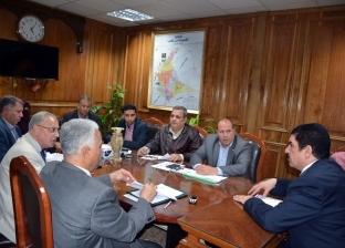 محافظ القليوبية يعقد اجتماعا لبحث مشروعات مياه الشرب والصرف الصحي