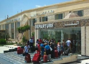 مصادر: طائرة العائدين من بؤرة كورونا تدخل الأجواء المصرية