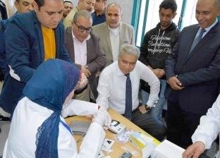 """انطلاق مبادرة """"100 مليون صحة"""" في المنيا.. والمحافظ يجري الفحوصات"""