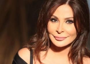 خصوم «إليسا» يتعاطفون معها.. واللبنانيون يستقبلونها بالورود غداً