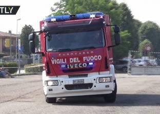 بالفيديو| انقلاب سيارة إطفاء أثناء عرض يظهر سرعتها ومهنيتها