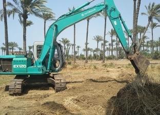 محافظ دمياط تتابع أعمال إزالة التعديات على الأراضي الزراعية