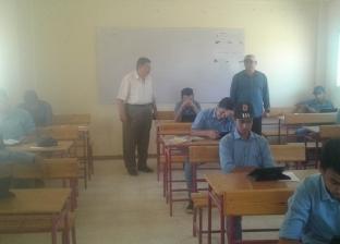 بالصور| مدير إدارة رأس سدر يتفقد امتحانات الصف الأول الثانوي