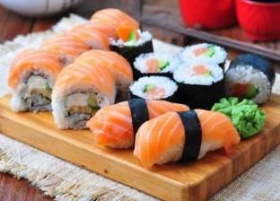 """وجبة """"سوشي"""" تتسبب في قطع يد كوري"""