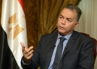 """وزير النقل: مستوى خدمة الخط الأول للمترو سيئ.. و""""مش هنسيبه يقع"""""""