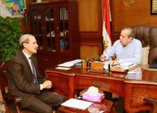 بالصور  محافظ كفر الشيخ يناقش بعض الملفات مع نائب قلين ودسوق