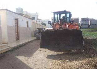 إزالة مبنى مقام على أرض زراعية بميت الخولي عبدالله