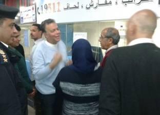 وزير النقل يتفقد محطات مترو الأنفاق ويلتقي بالمواطنين بعد زيادة أسعار التذاكر