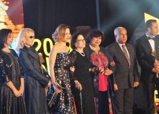 تكريم منة شلبي ومحسنة توفيق في مهرجان «أفلام المرأة» بأسوان