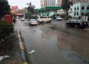 """""""المرور"""" تواجه الأمطار بسيارات الإغاثة.. وتهيب بالمواطنين الالتزام بالتعليمات"""
