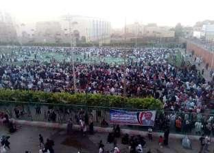 بالصور.. آلاف المواطنين يتوافدون على ساحات صلاة العيد في الشرقية