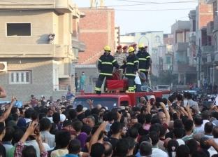 """الآلاف يشيعون جثمان شهيد سيناء في """"بيلا"""" وسط هتافات """"الإرهاب عدو الله"""""""