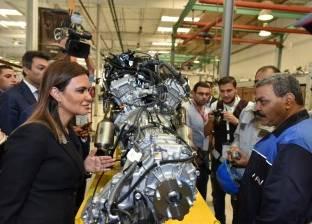 """""""سحر والشريف"""" يتفقدان مصنع الشركة العربية الأمريكية للسيارات"""