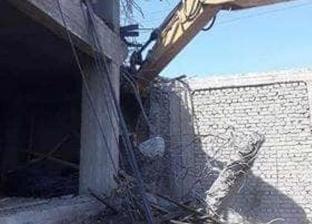 إزالة مبنى مخالف مقام بحرم جامعة المنيا