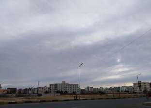 تكاثر الغيوم والسحب.. وتوقعات بعدم الاستقرار في حالة الطقس بالغردقة